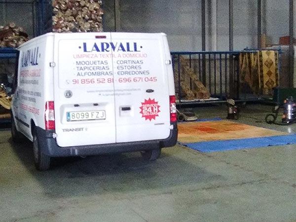 Larvall – Limpieza de alfombras, moquetas y entelados en Madrid